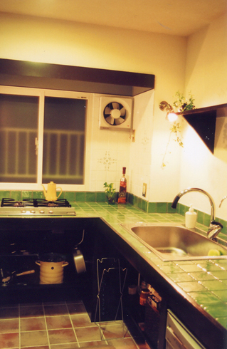 kitchen01b.jpg